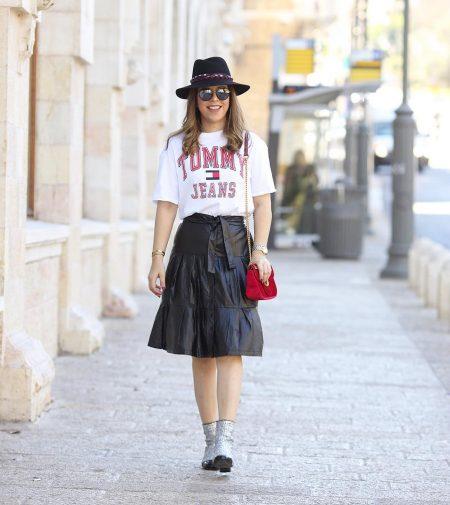 בלוג בלוגרית צניעות צנוע אינסטגרם סטייל דוסשיק חצאיות מראה צנוע שיק סטייל בלוגריות כיסוי ראש עדי בורג
