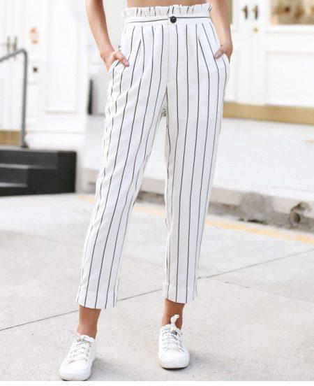 פשנגה מבצע אופנה 2018 קיץ טרנד מכנסיים מחוייטים פסים שחור לבן