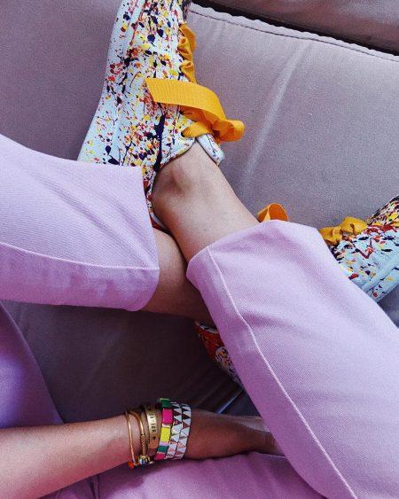 thefashionguitar סגול לילך טרנד צבעי פסטל נעליים אופנה בלוגרית פאשיוניסטה טרנדים צבעים מכנסיים חולצה סטייל
