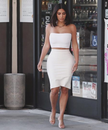 קים קרדשיאן דיאטה גזרה שמלה ניקוי רעלים שייק smoothie שמלה מיצים חלבונים אטקינס שומן שומנים רזה משקל