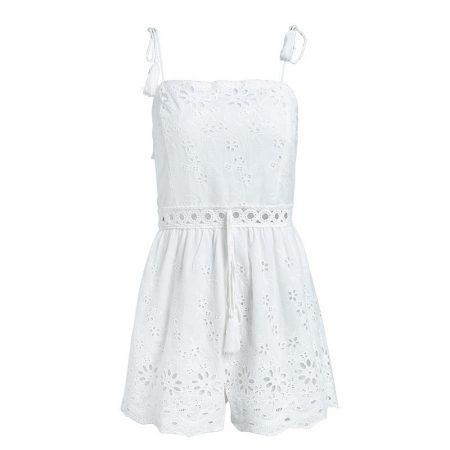 פשנגה מבצע אופנה 2018 קיץ טרנד אוברול לבן מלמלה קשירה רומנטי