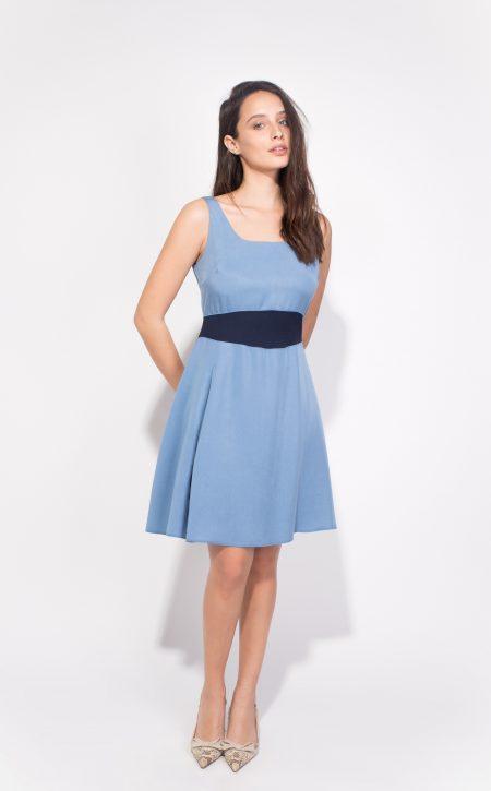 לבוש משרדי body cover טרנדים יומיום לבוש משרד שמלה כחולה מידי עבודה תכלת