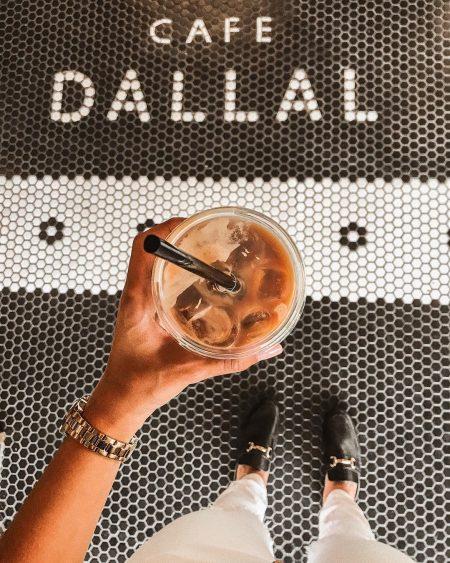 תל אביב אופנה ים קפה אוכל בית קפה fashion אינסטגרם פאשיוניסטנה ענבר גביר קפה דלאל