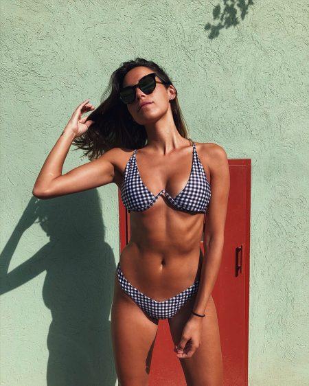 פשנגה קיץ בגד ים חם חופשה מים אופנה אינסטגרם פרופיל פיד מעיין מרטונוביץ